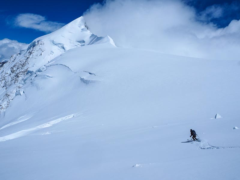 Skiing the Zwillings glacier